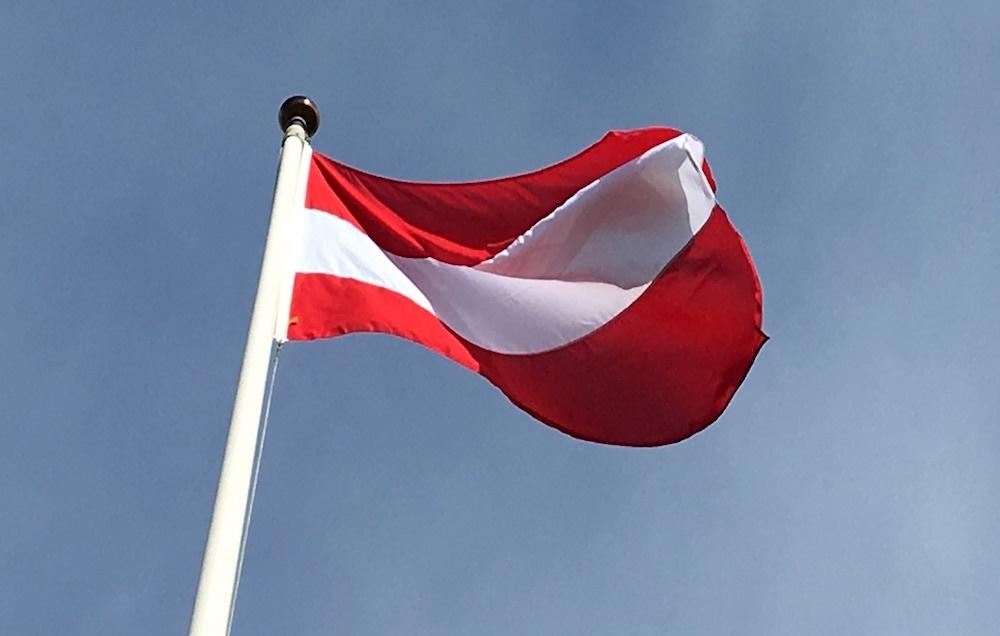 Österrikes Flagga